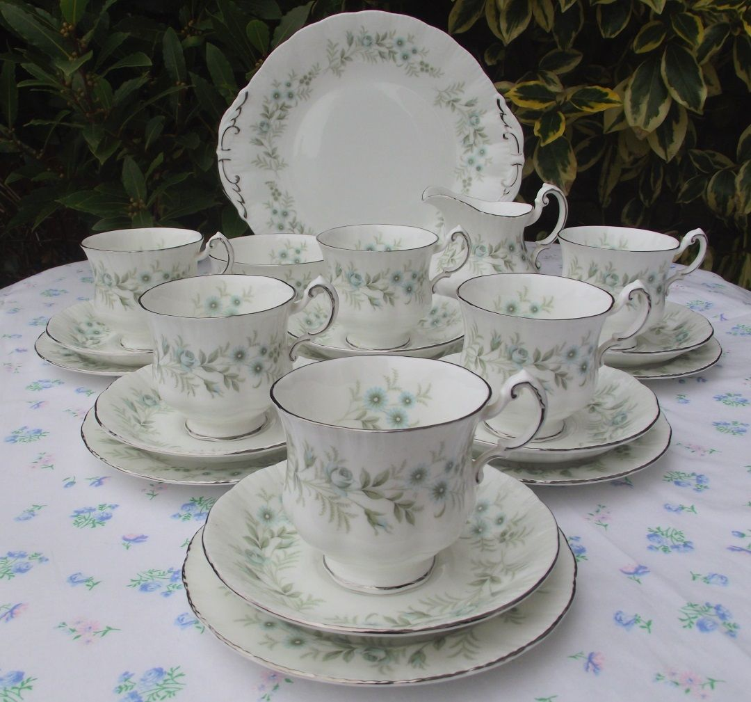 Paragon 'Debutante' Tea Set