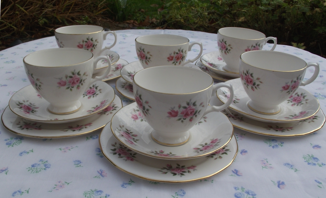 Gainsborough Rosebud Tea Set