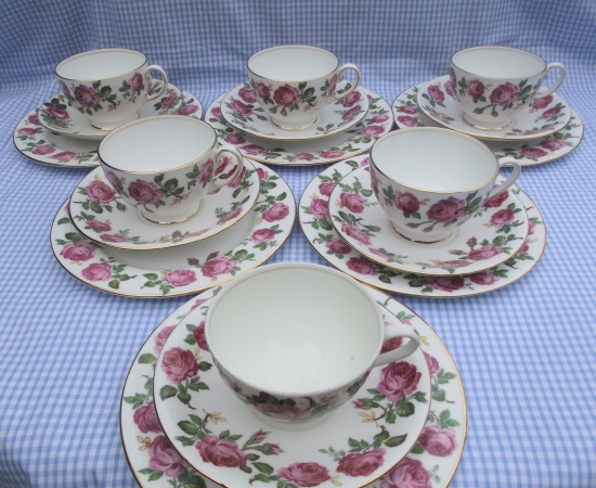 Aynsley Pink Roses Tea Set