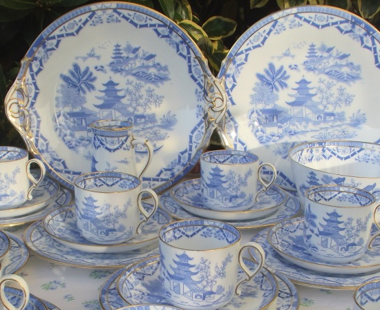 Grainger Blue & White 'Willow Pattern' Tea Set