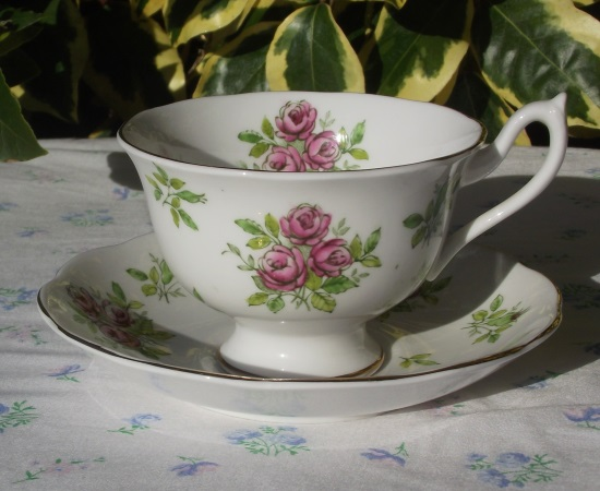 Royal Albert Pink Rose Duo
