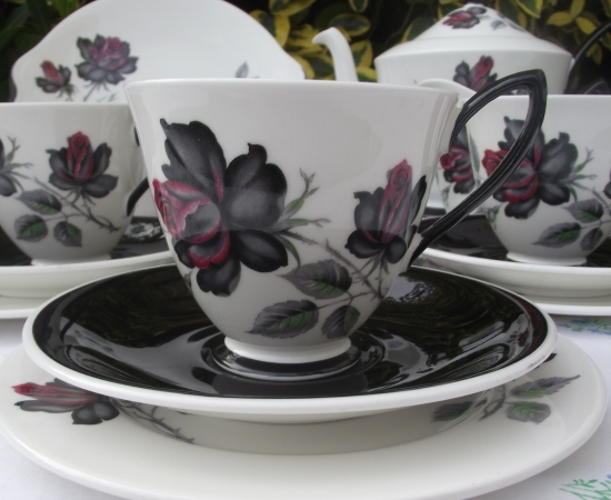 Royal Albert Masquerade Tea Set (2)