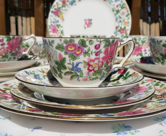 Crown Staffordshire Thousand Flowers Tea Set
