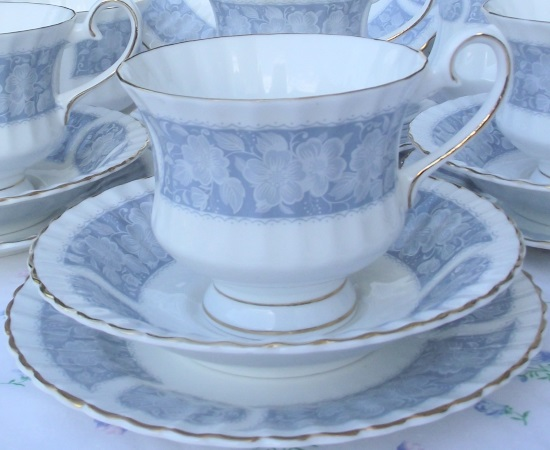 Grosvenor Blue Bands Tea Set