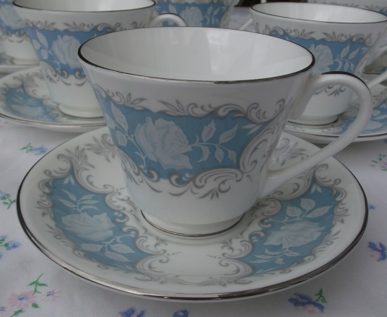 Aynsley Moonlight Rose Demitasse Set