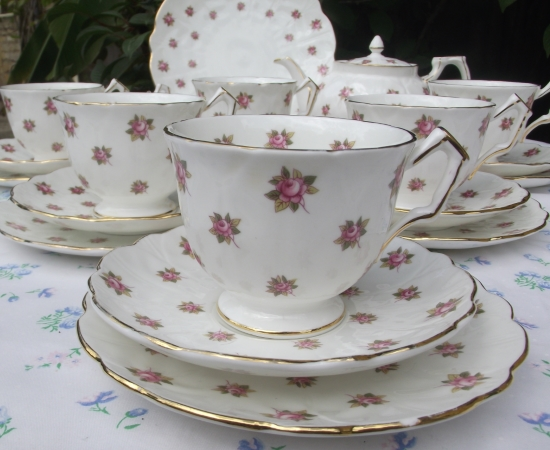 Aynsley Rosebud Tea Set