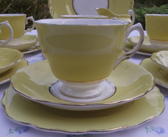 Colclough Ballet Harlequin Yellow Tea Set