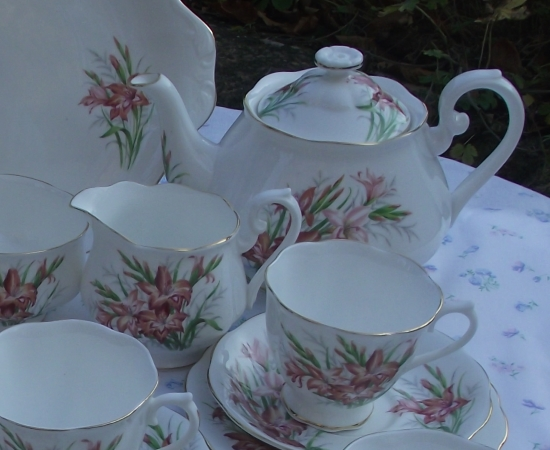 Royal Albert Friendship Gladiolus Tea Set