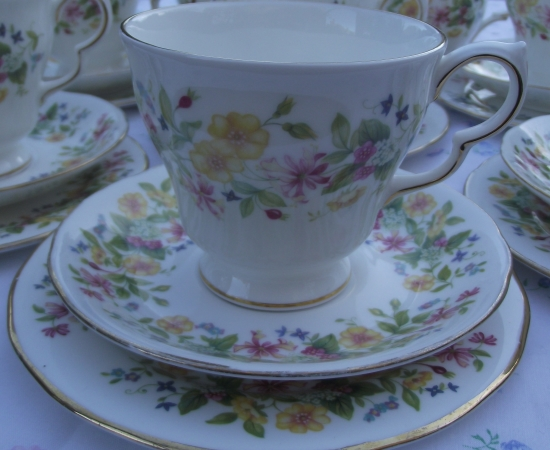 Colclough Hedgerow Tea Set