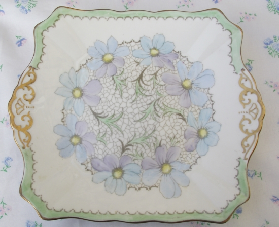 Tuscan Handpainted Daisy Serving Plate